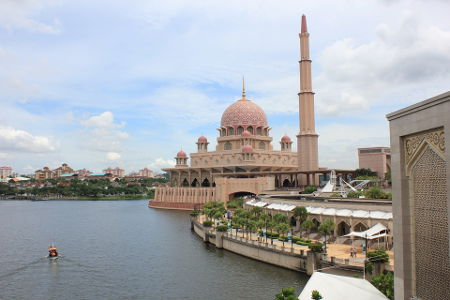 Otros sitios web de interés para su mudanza a Malasia: