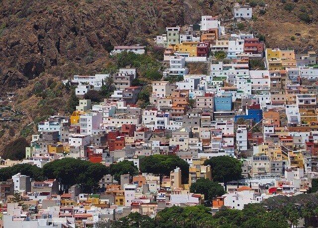 Servicios Puerta-a-Puerta a Canarias