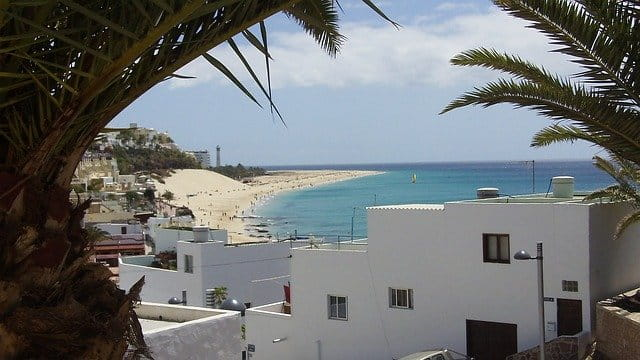 Look for accommodation in the Canary Islands