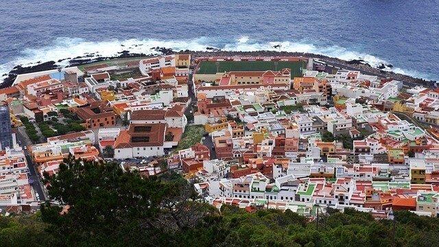 Importación de efectos personales a Tenerife y documentación necesaria