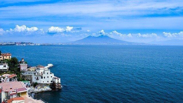 Сделайте свой международный переезд в Неаполь с Мудинар