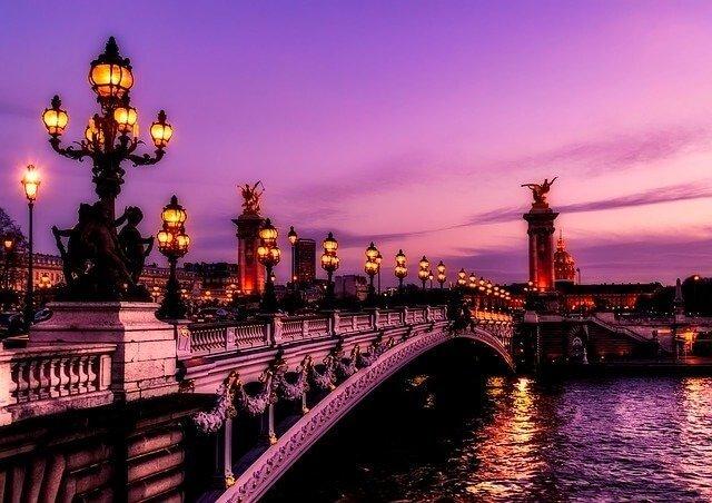 Services in Paris