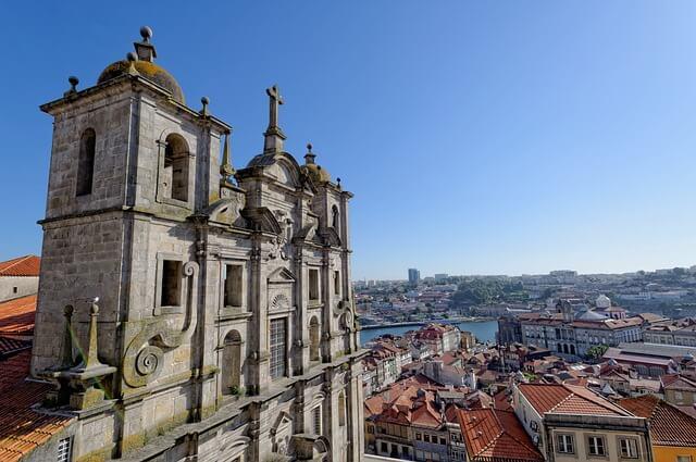 Información de interés en una mudanza a Portugal