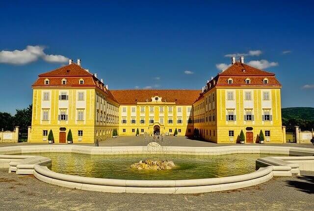 Información de Interés para su mudanza a Austria
