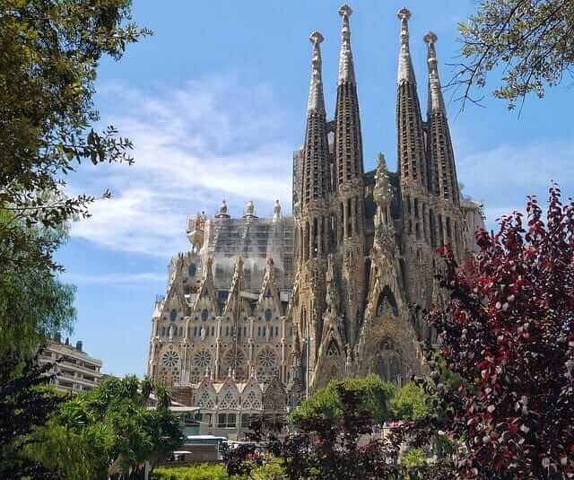 Moving to Barcelona & Living in Barcelona