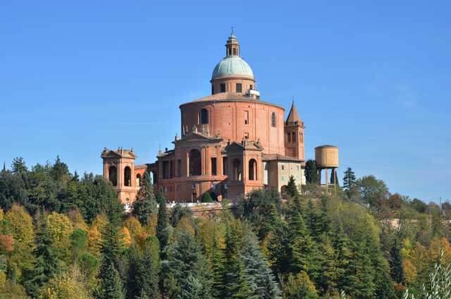 Servicios asociados de una mudanza a Bolonia