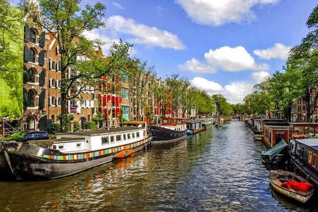 Servicios asociados de una mudanza a Holanda