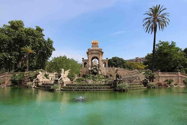 Servicios asociados de mudanza a Barcelona
