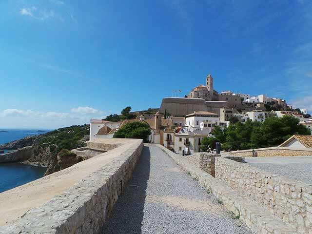 Kritische Gegenstände bei einem internationalen Umzug nach Ibiza