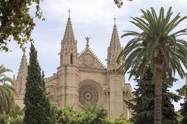 International removals to La Palma