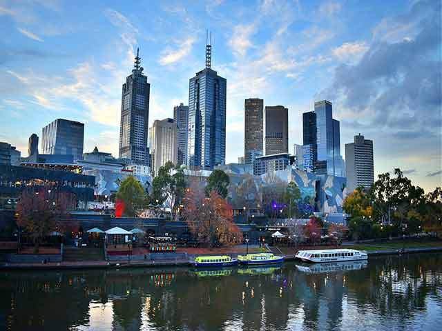 Associated moving services to Melbourne