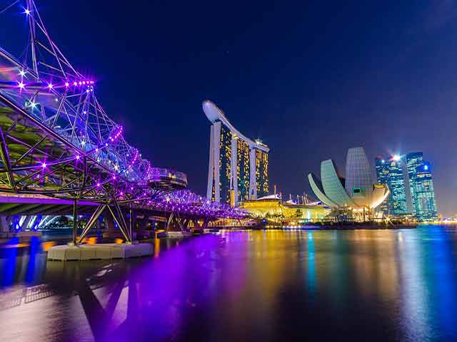 How to move to Singapore