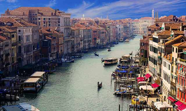 Servicios asociados de mudanza a Italia