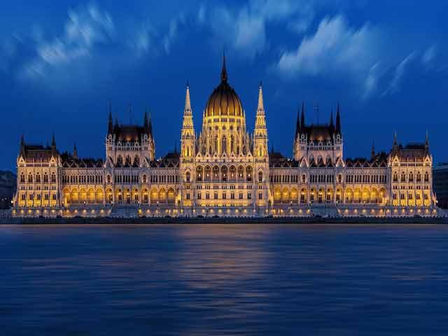 Mudanza a Hungría
