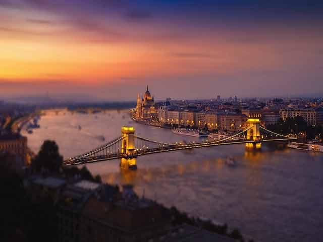 Presupuesto de mudanza a Hungría