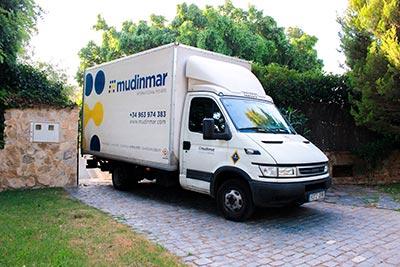 Camiones con conductor en Madrid