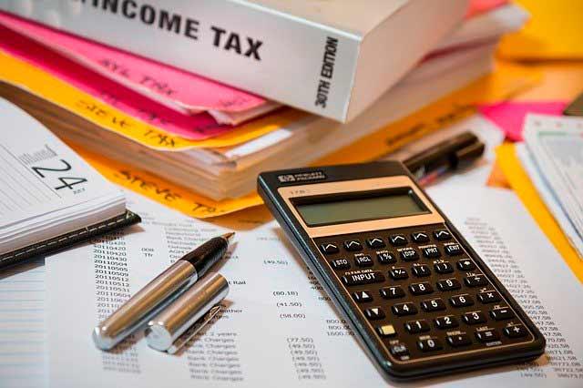 ¿Qué gastos NO se incluyen en una mudanza internacional?