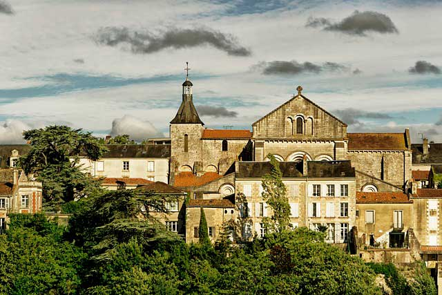 Mudanzas a Poitiers