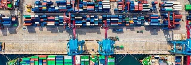 ¿Debo ir al puerto a realizar gestiones durante el proceso de importación?