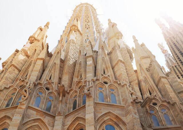 Servicios complementarios de mudanza a Barcelona
